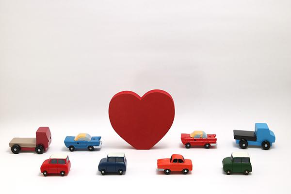 自動車の車検切れに気が付いたら、自賠責保険を発行して市区町村で自動車臨時運行許可(仮ナンバー)の申請をしよう